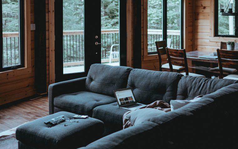 Porte scorrevoli a scomparsa: ottimizza gli spazi di casa